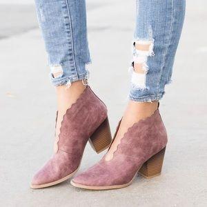 qupid prenton booties open front slit top scalloped v shape block heel